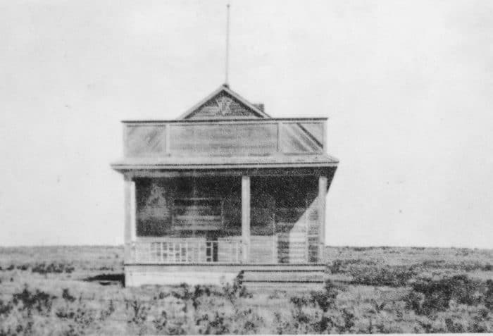 Taken around 1920, this is the sole surviving photograph of the synagogue in Sibbald, Alberta. At its height, the settlement had about 70 inhabitants.