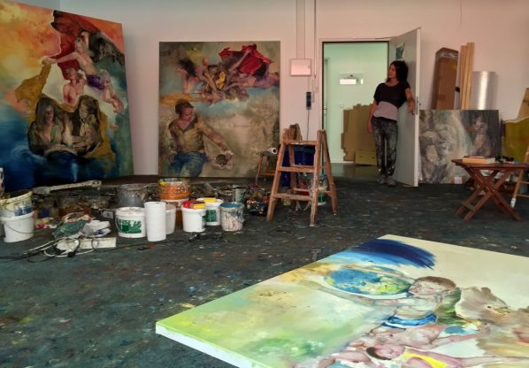Sakoh in her studio. After graduating from the Academy of Fine Arts in Munich and the German Master School for Fashion and Design, Sakoh began as an illustrator before devoting herself to painting.